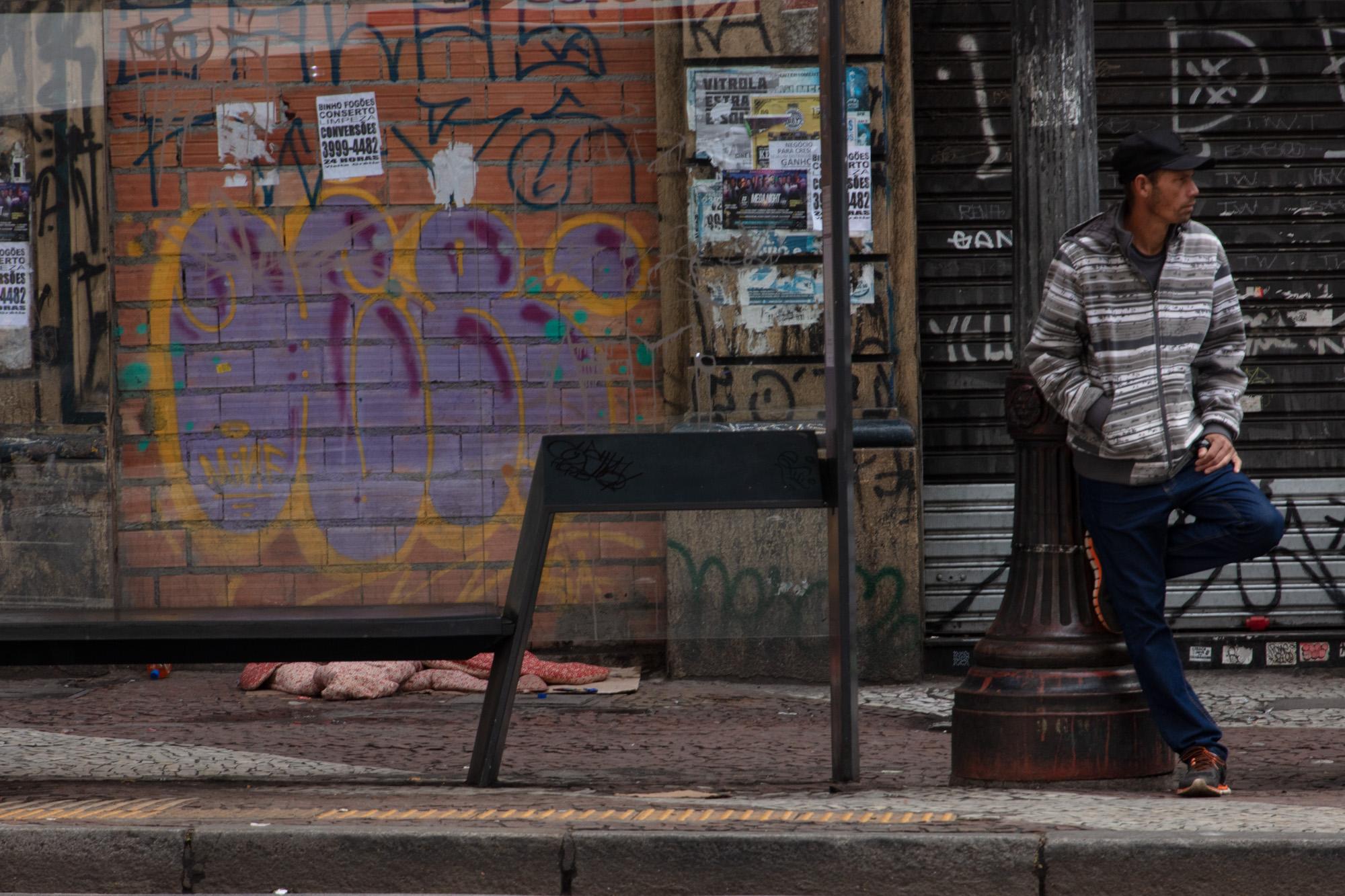 Homem no poste